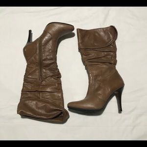 Aldo women leather zip up boots size 6 vibram